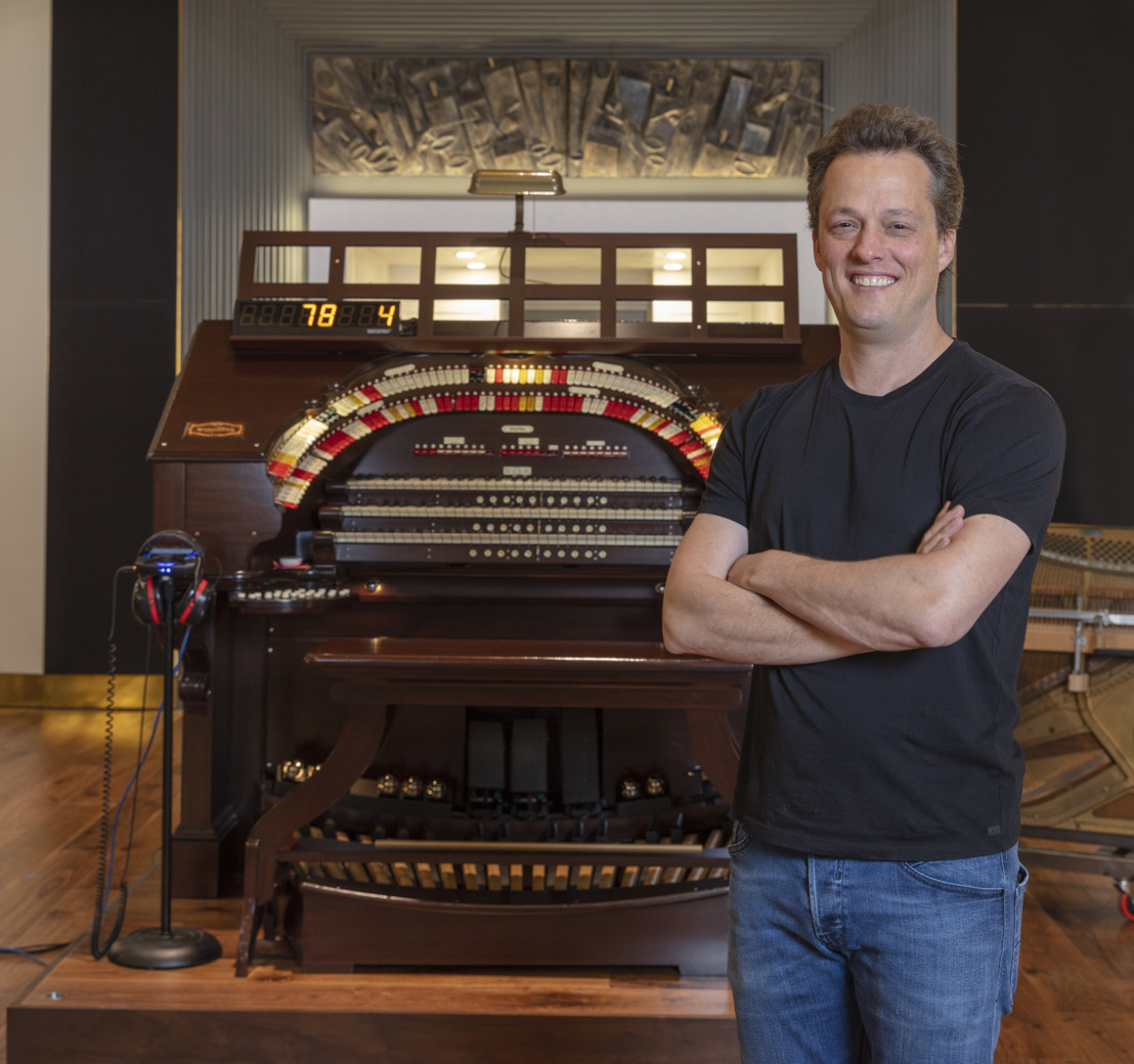 Composer Nathan Barr Selects myMix System to Monitor 1920s-era Organ in New Blockbuster 'The House with a Clock in Its Walls'