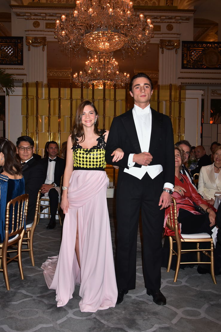 Maïa Twombly (in Giambattista Valli HC and jewelry Payal New York) and her cavalier Marquis Giacomo del Gallo di Roccagiovine, Photo by Jean Luce Huré