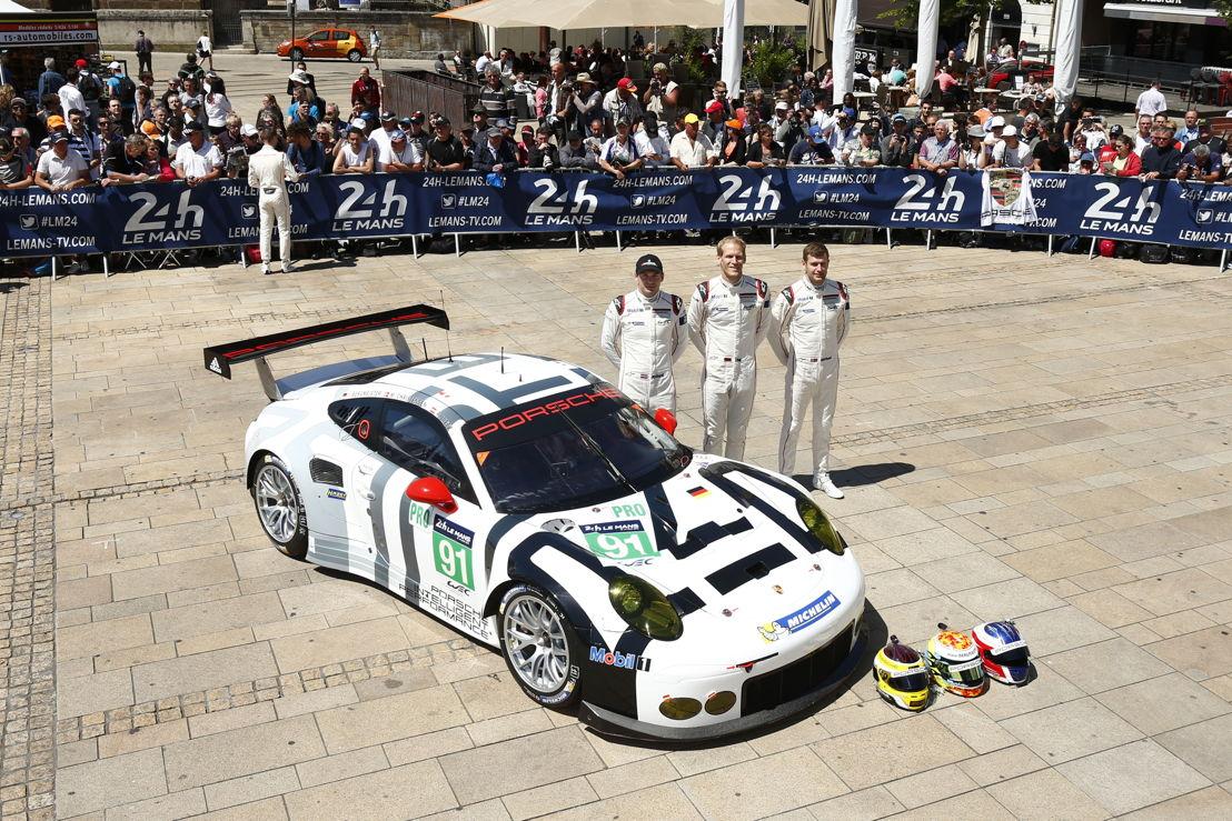 Porsche 911 RSR (91), Porsche Team Manthey: (l-r) Richard Lietz, Joerg Bergmeister, Michael Christensen