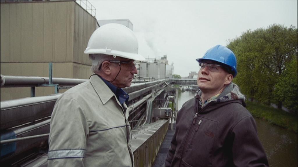Wilde keuken aflevering 1 - Bier  - Sven in suikerfabriek in Aalst - (c) VRT - NTR