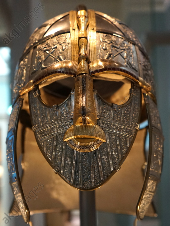 Reconstructed Sutton Hoo Helmet, which was part of the Staffordshire Hoard is the largest hoard of Anglo-Saxon gold and silver metalwork. Dated 5th Century<br/>AKG5519236
