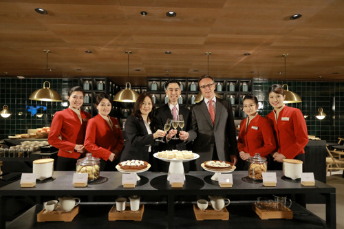 Cathay Pacific previews New Business Class Lounge at The Pier