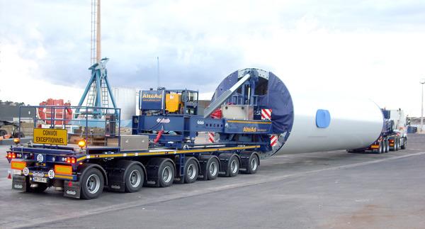 Preview: Nooteboom otrzymuje patent dla Lift Adaptera, będącego częścią naczepy Mega Windmill Transporter
