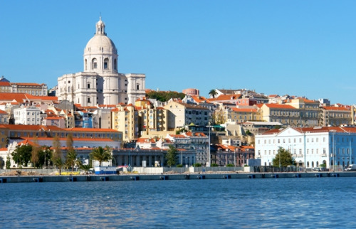 Emirates to fly double daily to Lisbon from 1st January