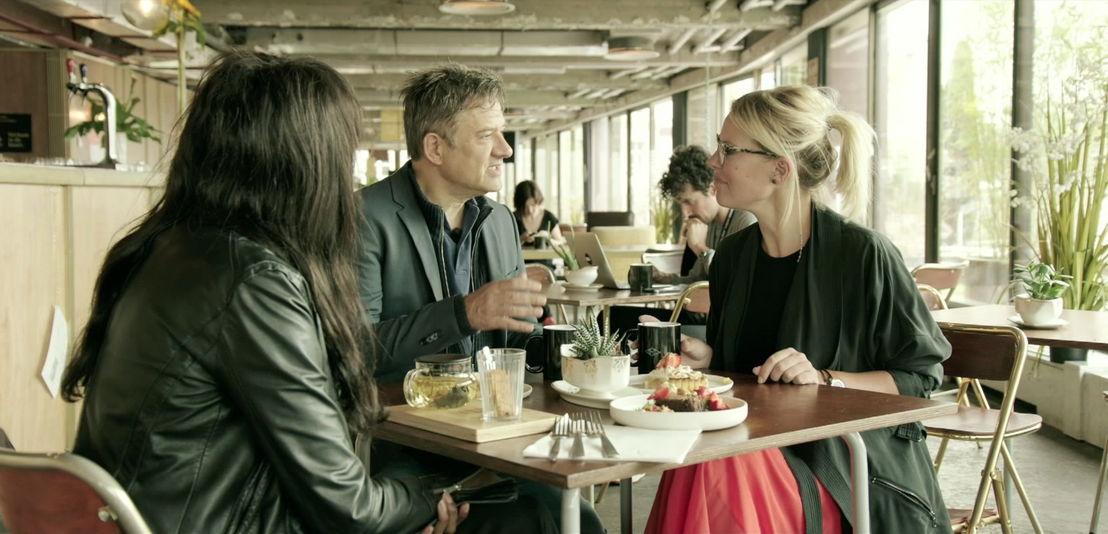 Eline De Munck, Élodie Ouédraogo en Bart Peeters<br/>Weg zijn wij (c) VRT