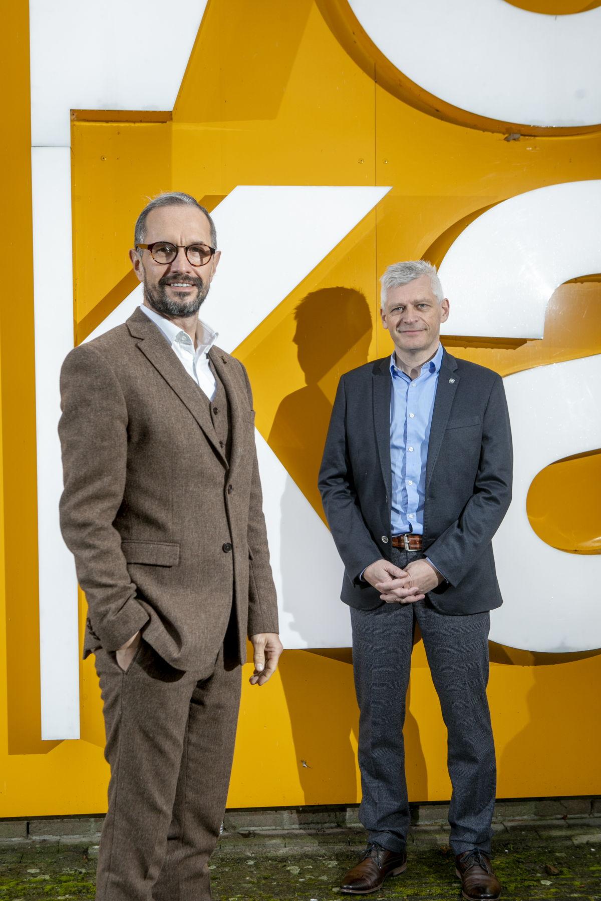 """Gedelegeerd bestuurder Tom Laveren (links) en de nieuwe voorzitter Ronny Van Broekhoven (rechts). """"We willen de meerwaarde van onze Voka-Kamer nog meer laten voelen bij onze leden."""""""