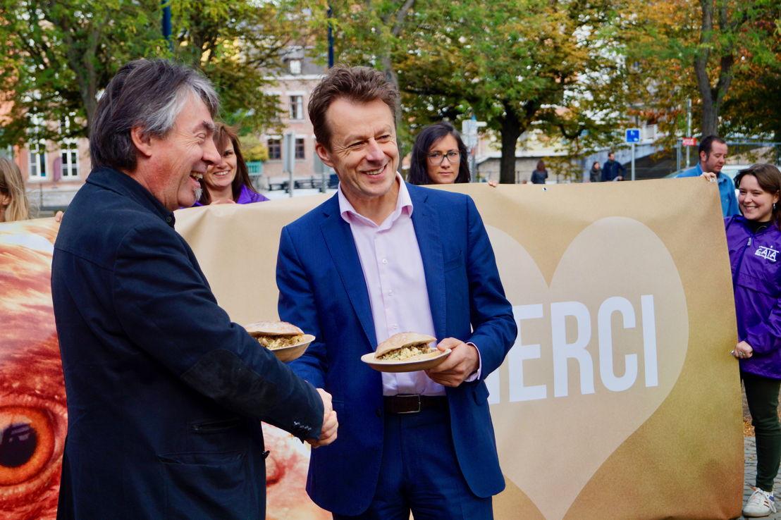 Michel Vandenbosch (GAIA) et Carlo Di Antonio (cdH), le ministre du Bien-être animal. © GAIA