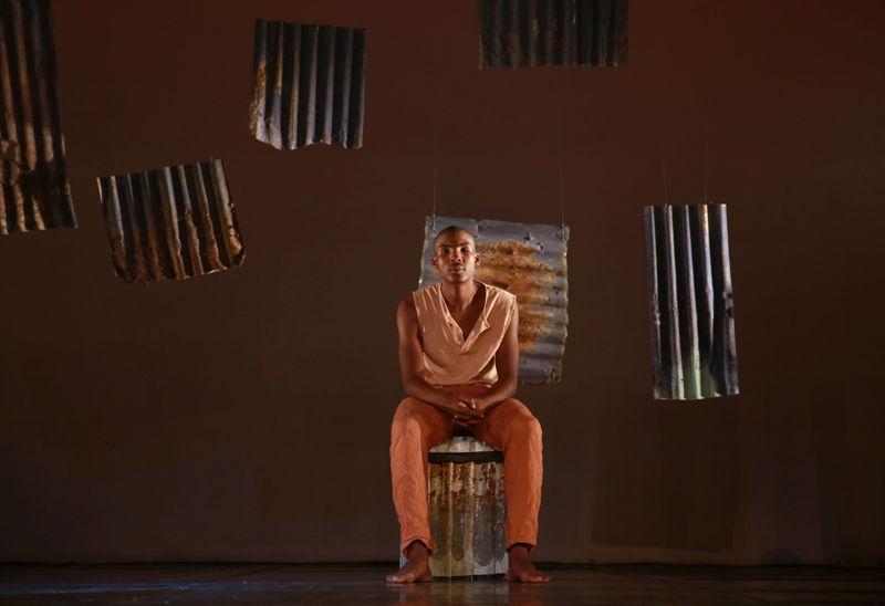 Eric Menyo in Phefumla/To Breathe. Image by Nardus Engelbrecht