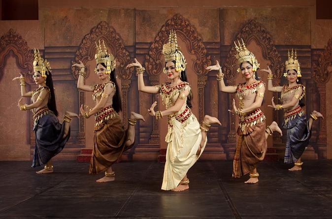 Cambodia_Traditional Dance in Phnom Penh