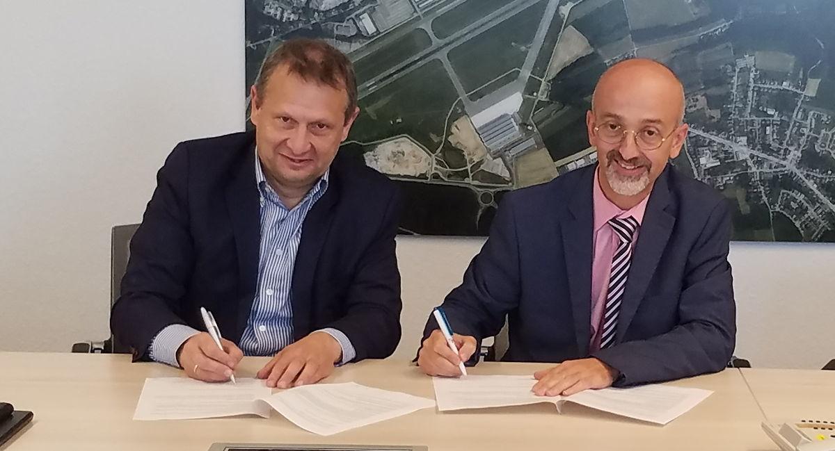 Belgocontrol CEO Johan Decuyper en Claudio Clori, directeur van ANA Lux
