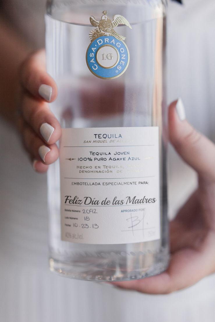 Tequila Casa Dragones Joven personalizada