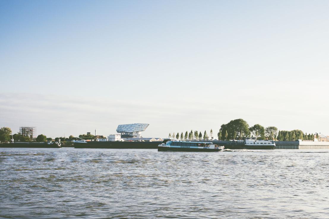 Vaar vanaf 1 juli mee op het zonnige, open bovendek van DeWaterbus naar Lillo en Fort Liefkenshoek