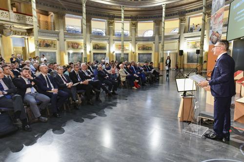 UNAITALIA: LA FILIERA AVICOLA CREA 8 MILIARDI DI VALORE IN ITALIA, NEL 2018 POLLO E CARNI BIANCHE LE PIU' CONSUMATE