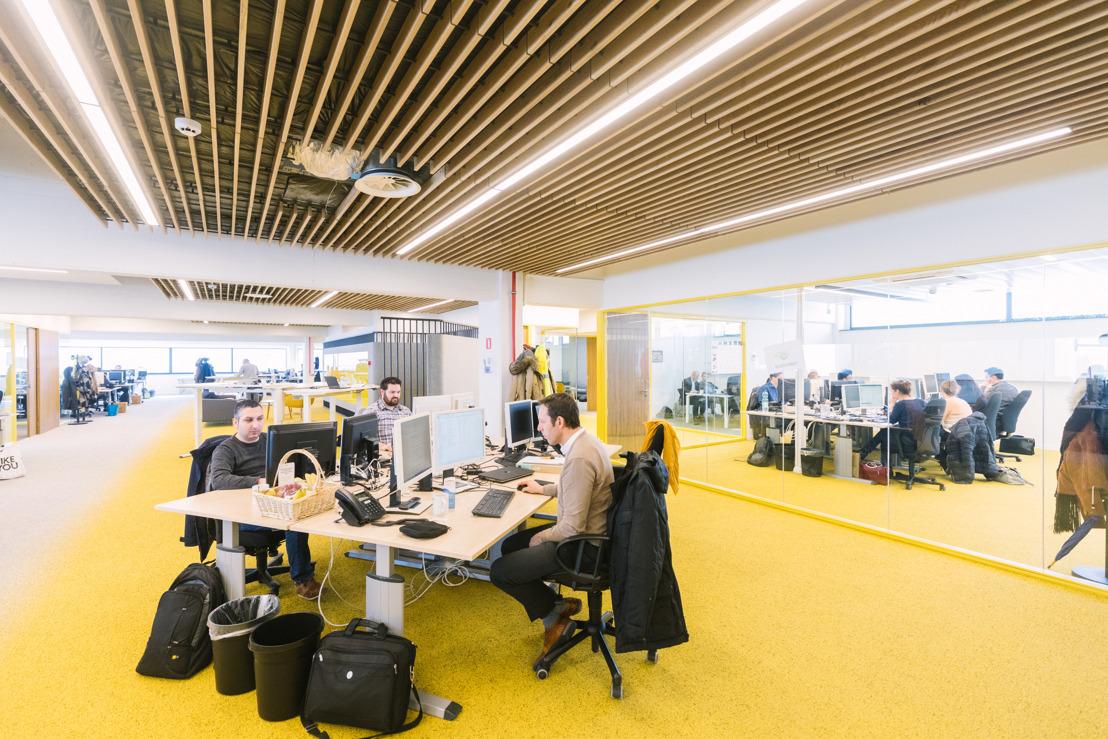 Les employés du service clientèle de Luminus à Liège emménagent dans un bâtiment basse énergie et dessinent eux-mêmes leurs nouveaux bureaux