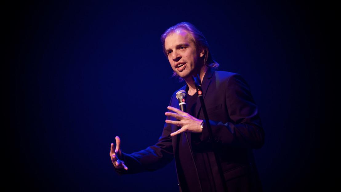 Jan Jaap van der Wal op tour met derde Vlaamse solovoorstelling