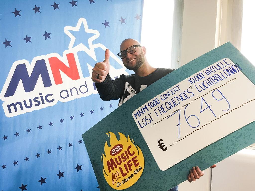 MNM-dj Brahim maakte vanmorgen het bedrag bekend (c) VRT/MNM