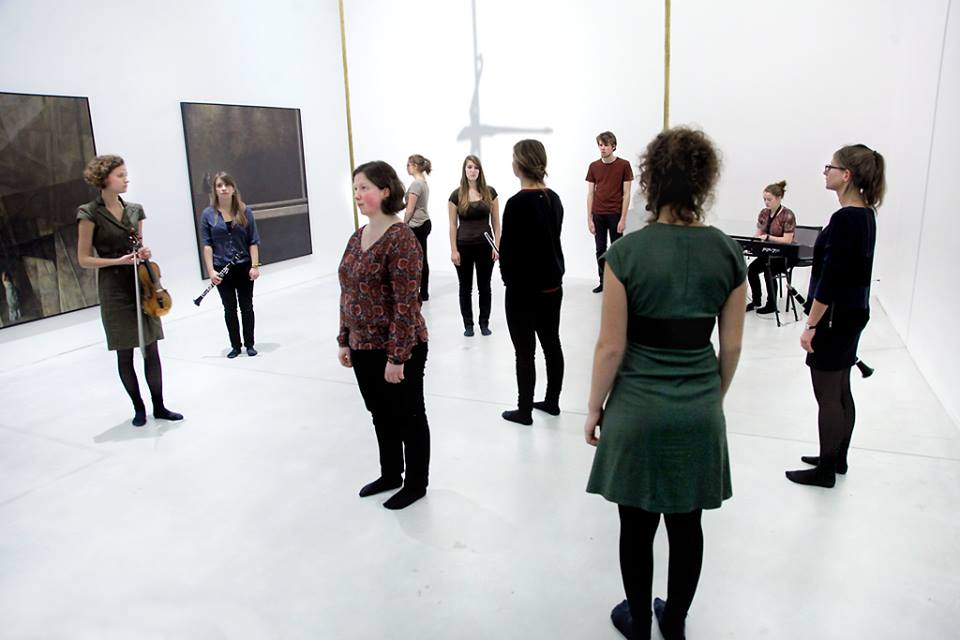 Studentennocturne in M. Improvisatie in de zalen van Markus Schinwald (c) KU Leuven - Rob Stevens