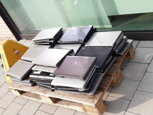 AB InBev schenkt opnieuw laptops aan leerlingen via Stad Leuven
