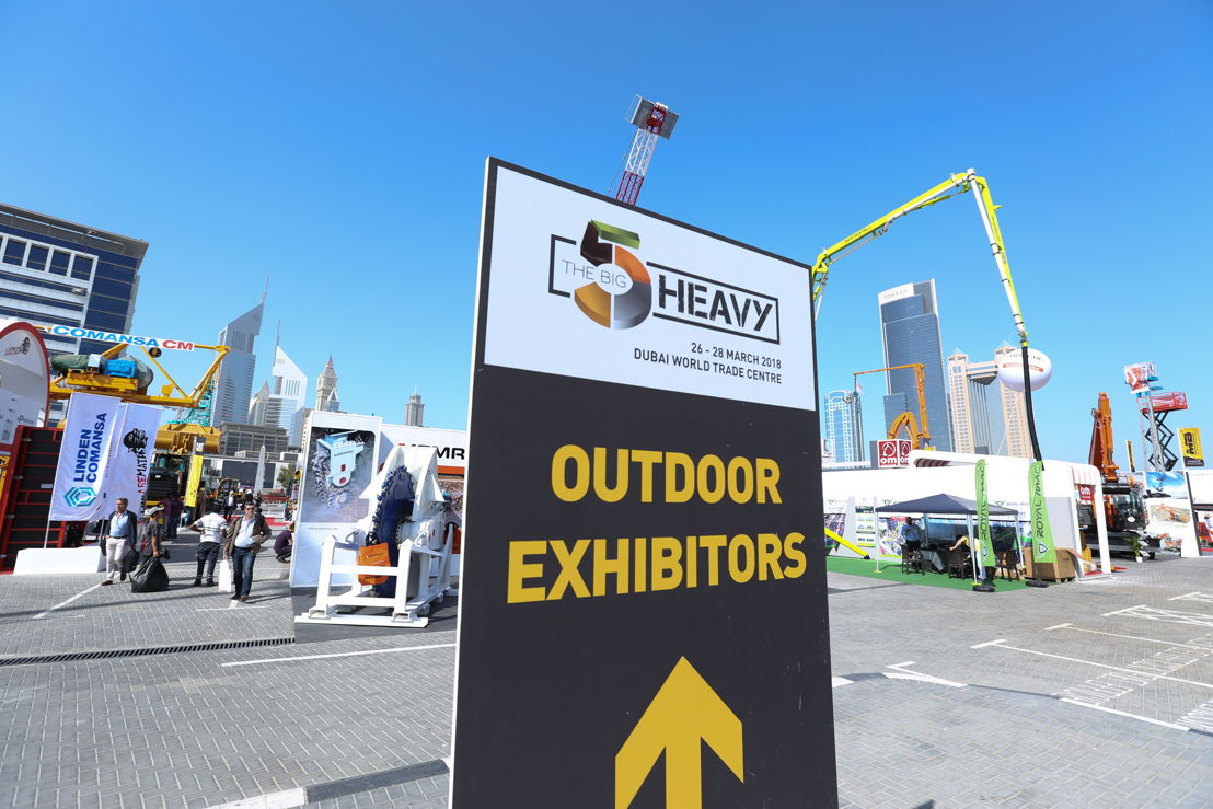 The outdoor area at The Big 5 Heavy