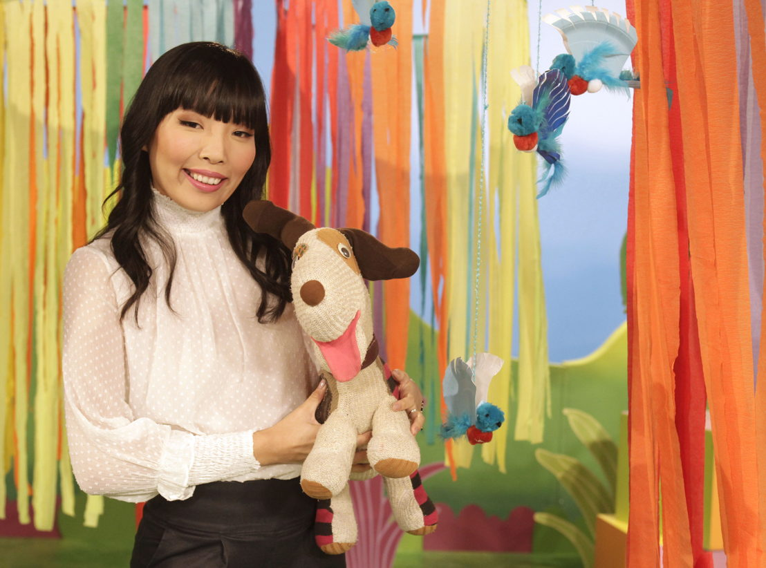 Dami Im with Play School's Scrap, Play School Celebrity Covers