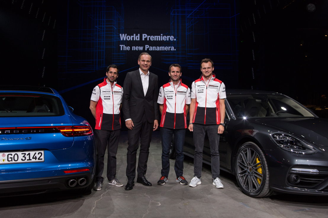 World premiere in Berlin (left to right): Oliver Blume, Chairman of the Executive Board Dr. Ing. h.c. F. Porsche AG, and the winners of the 24 Hours of Le Mans, Neel Jani, Romain Dumas and Marc Lieb are presenting the new Panamera.