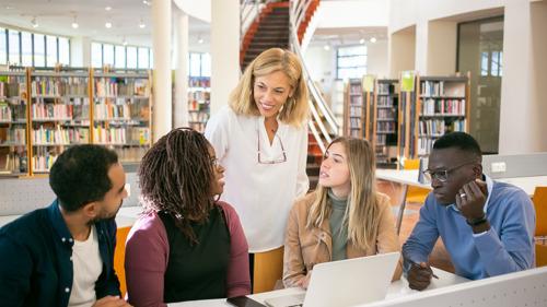 Les écoles néerlandophones à Bruxelles bénéficient d'une meilleure assistance d'interprètes