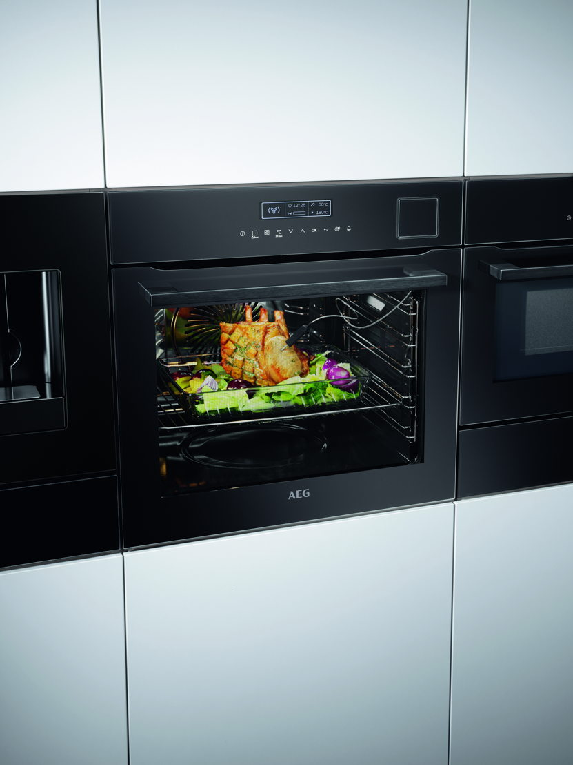 Zwart AEG oven