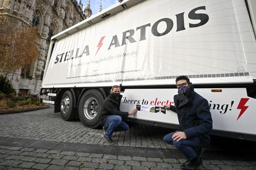 AB InBev: Le tout premier camion électronique belge livre de la bière à Louvain sans émission de CO2