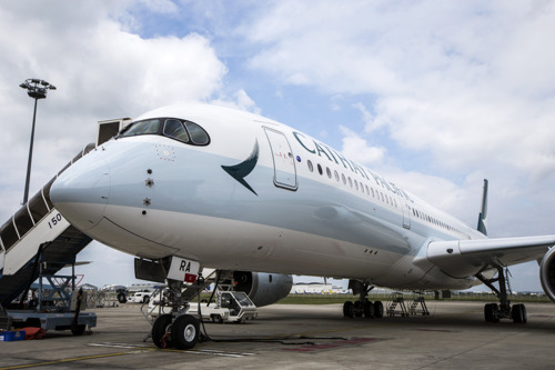 Cathay Pacific releases combined traffic figures for October 2014