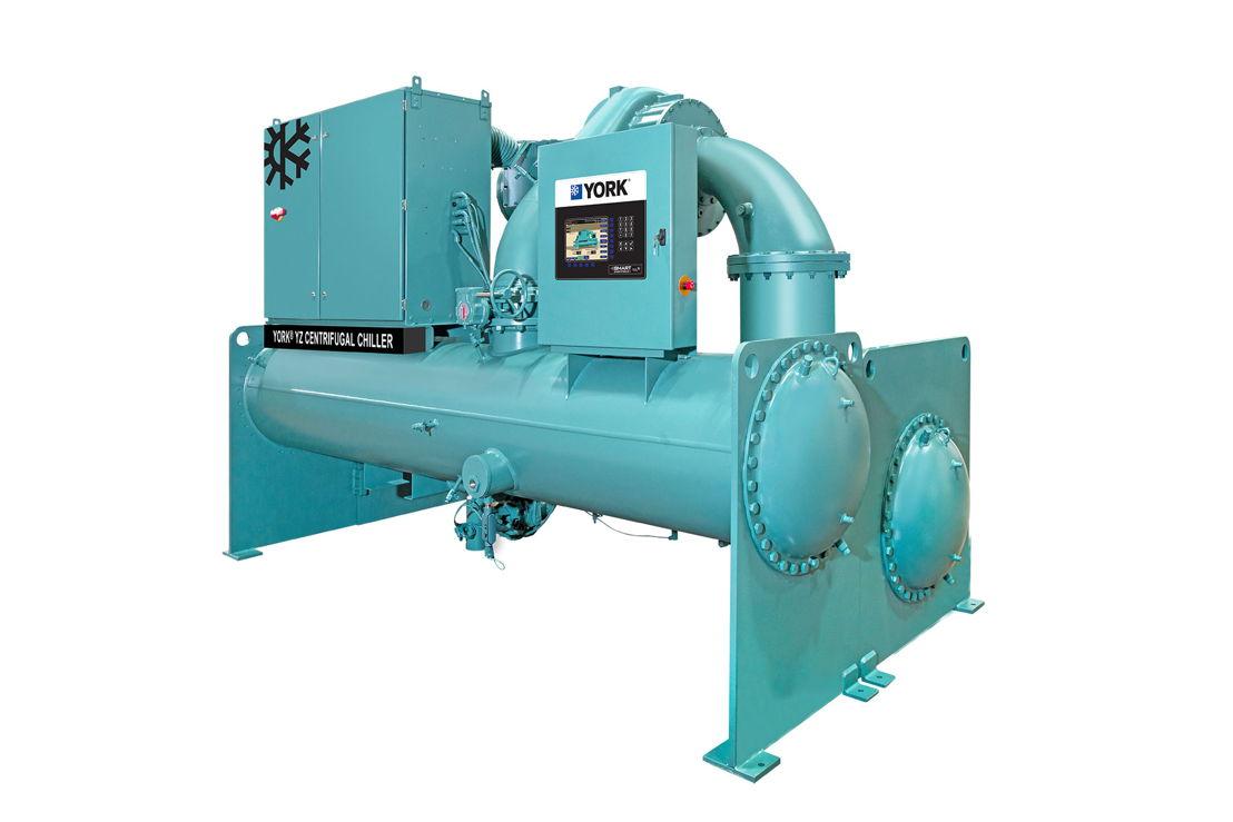 Le refroidisseur YORK®YZ à compresseur centrifuge et paliers magnétiques est le premier refroidisseur entièrement optimisé pour une performance maximale avec la prochaine génération de réfrigérants R-1233zd(E) à très faible impact sur le réchauffement global (PRP)