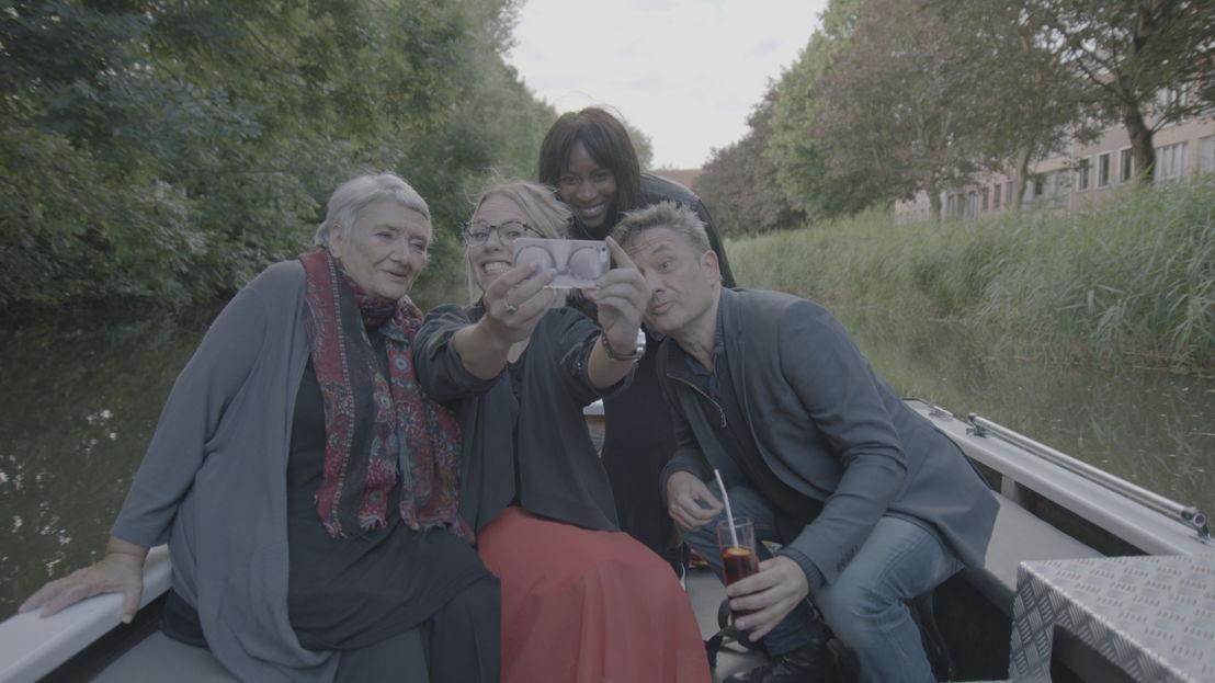 Weg zijn wij<br/>Mama Peeters, Eline De Munckx, Élodie Ouédraogo en Bart Peeters (c) VRT