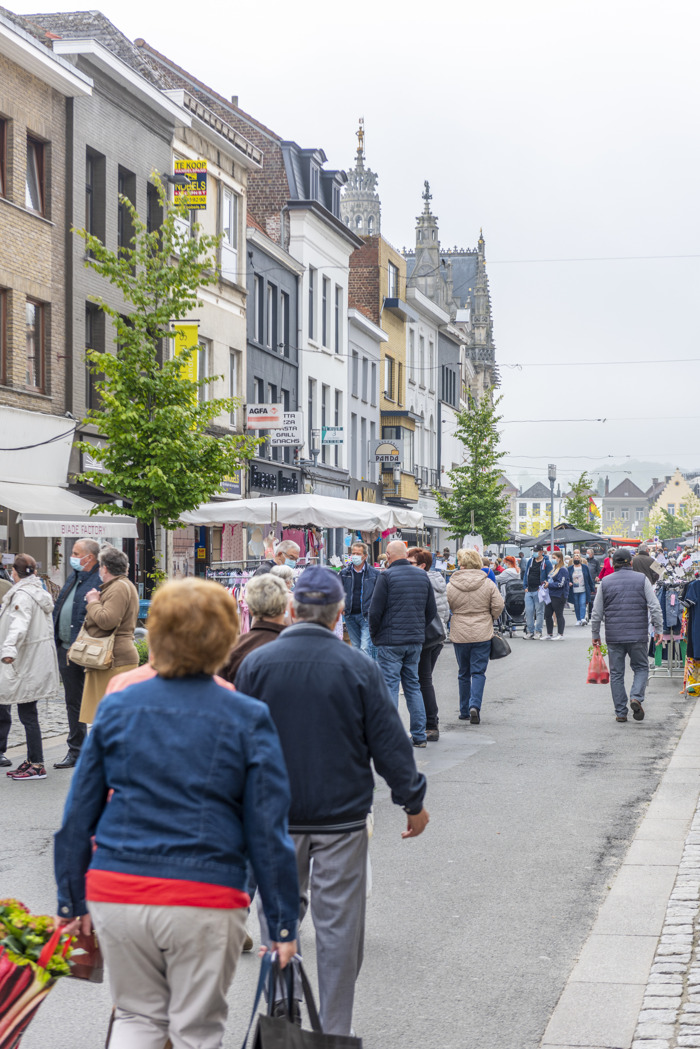 Provincie Oost-Vlaanderen geeft 18 001,46 EUR aan 13 projecten ter ondersteuning van de detailhandel