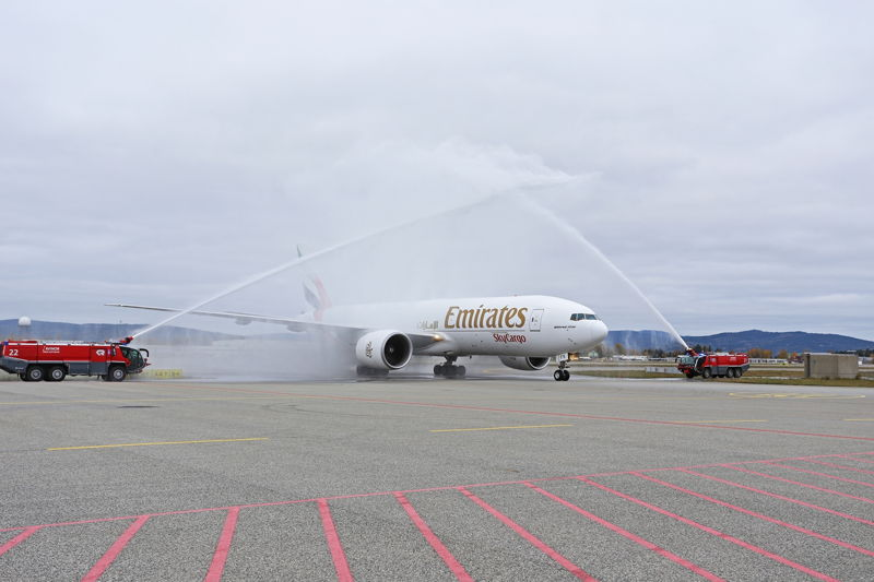 Emirates SkyCargo Freighter Arrives in Oslo.  Photo: Avinor Oslo Airport