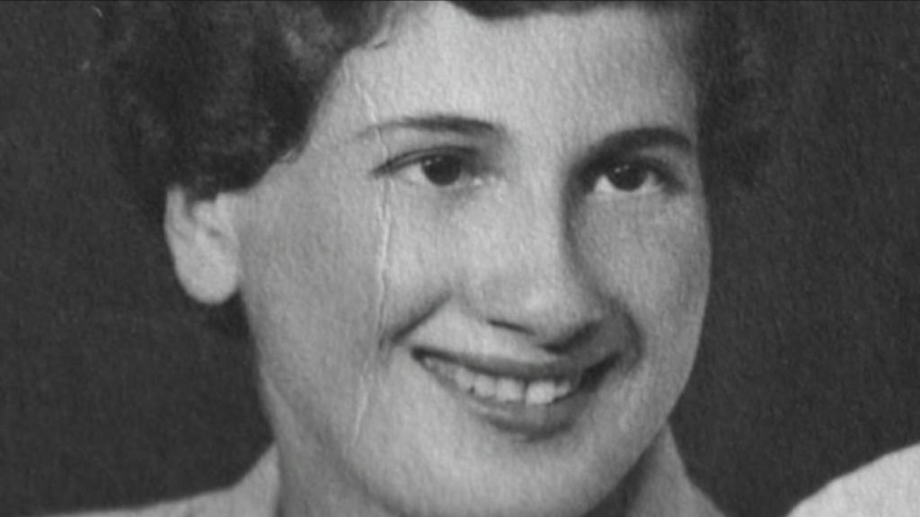 Touched by Auschwitz :  Halina Birenbaum (jong) - (c) LR History LTD