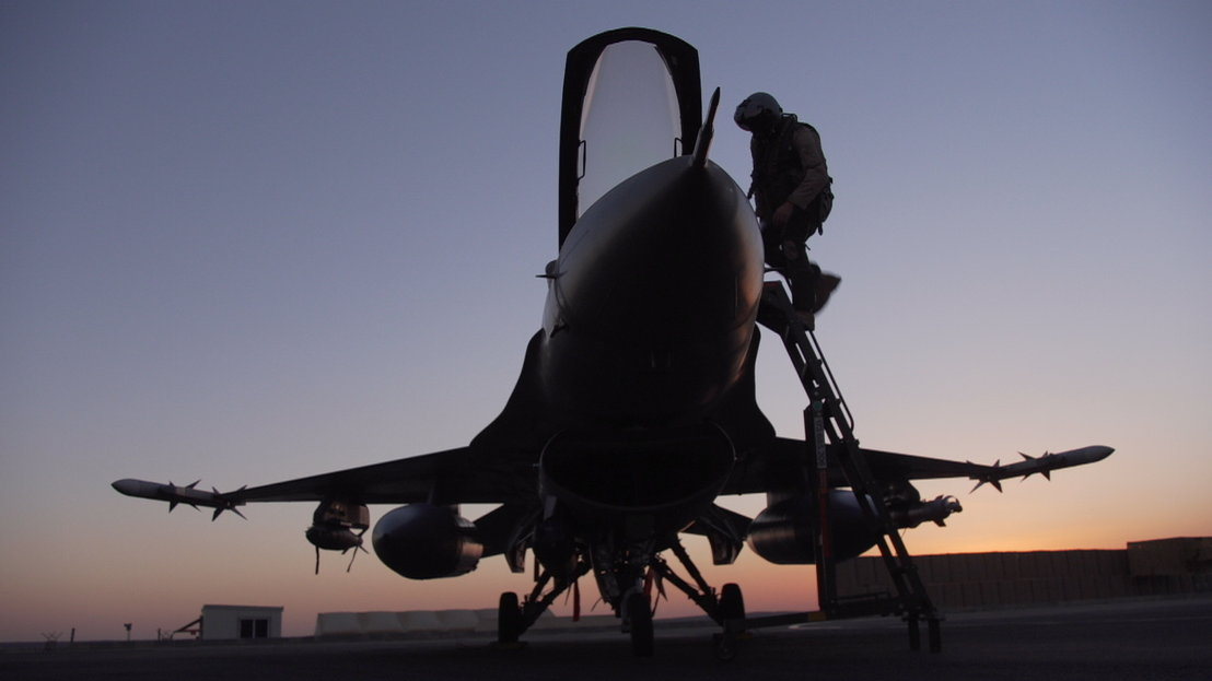 IS in het vizier - Afl 2 : Belgische F16-piloot - (c) VRT