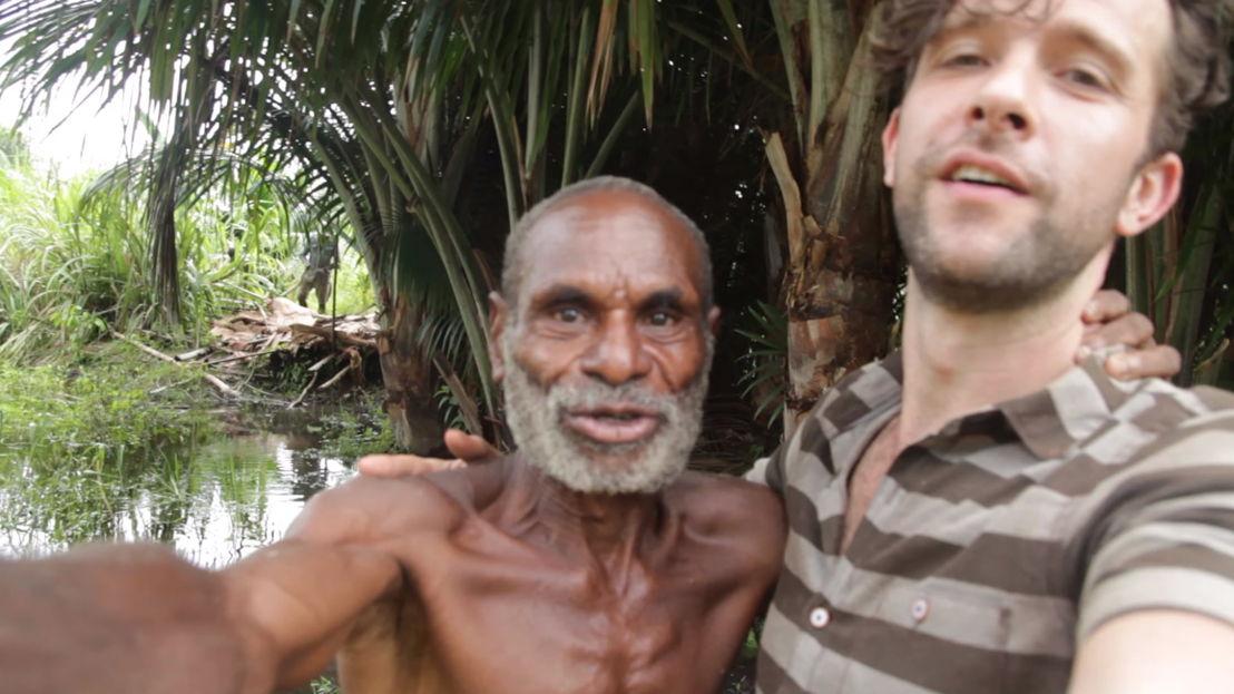 Selfie Jimmy en pastoor Bapa Matheus - (c) Jimmy Hendrickx