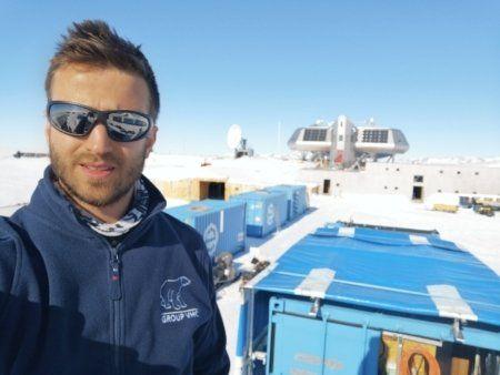 Guus Luppens op Antarctica