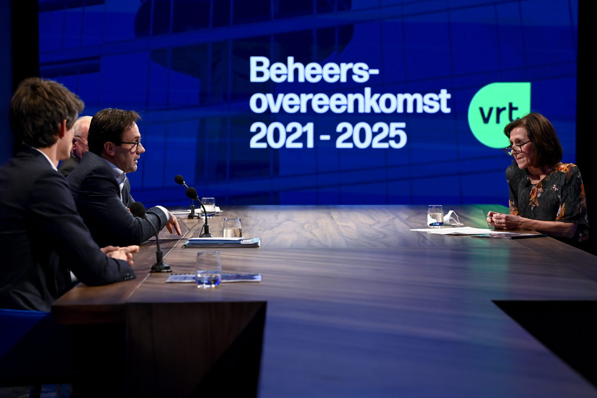 Minister Benjamin Dalle, CEO Frederik Delaplace and Chairman Luc Van den Brande presenting the new management agreement with host Annemie Peeters (c) Belgaimage - Dirk Waem
