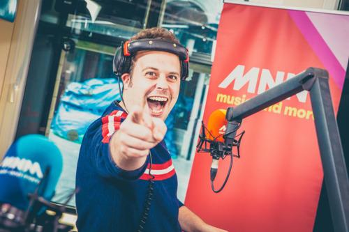 """20 dagen Marathonradio is goed voor 460 uren live radio en 1066 keer """"Yes, we can!"""""""