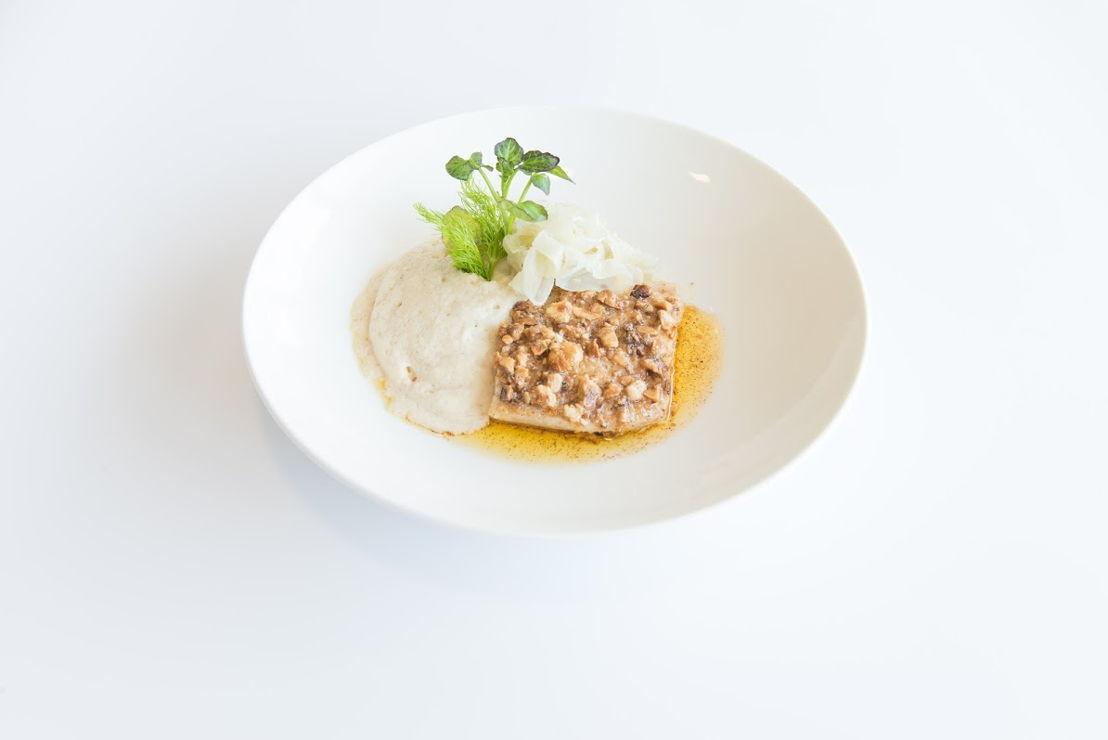 Bistro Mathilda - Rogvleugel met hazelnoot, aardappel, karnemelk en gemarineerde venkel.