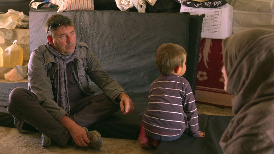 VDZVDV - aflevering 2 : Rudi Vranckx in opvangkamp Al Roj in Syrië - (c) VRT