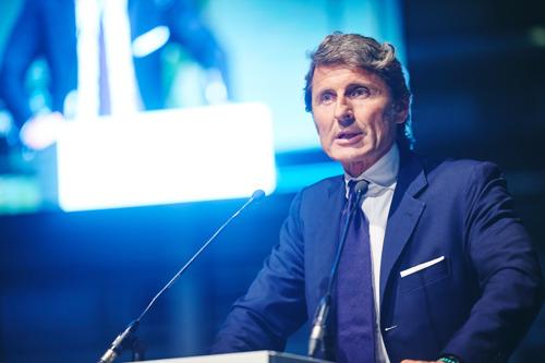Inauguration de l'exposition « Italian Car Passion » par M. Stephan Winkelmann, président et CEO d'Automobili Lamborghini.