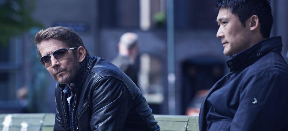 Follow The Money - Aflevering 1: Thomas Bo Larsen als Mads en Thomas Hwan  als zijn collega Alf - (c) Lumière