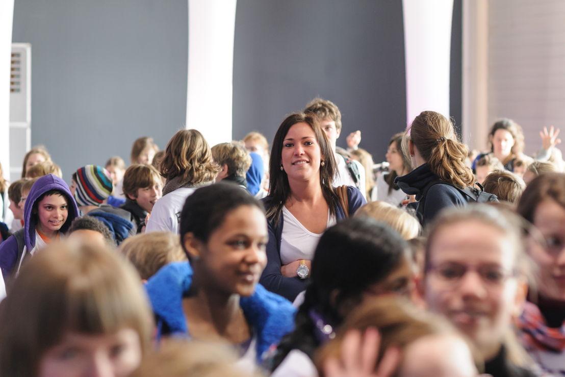 Leerkrachten en leerlingen nemen samen deel aan het congres