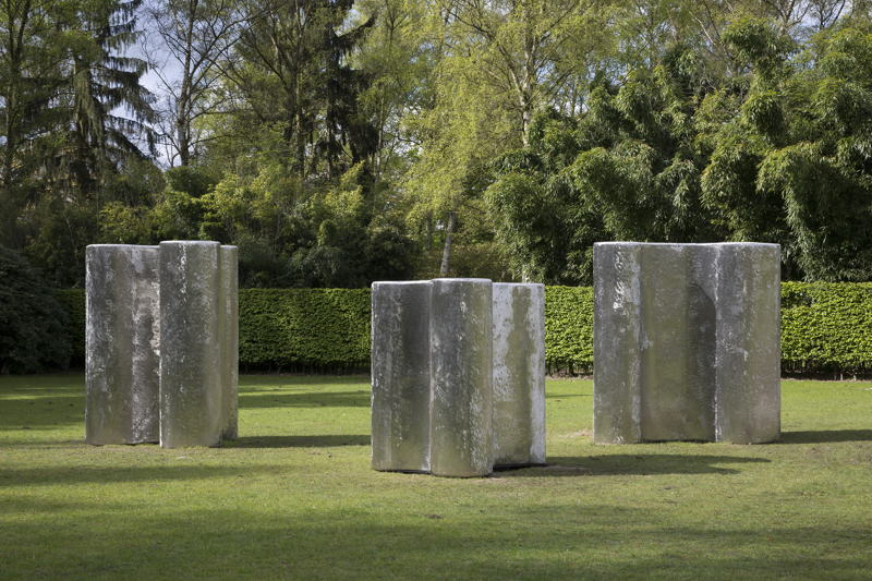 Richard Deacon<br/>(from left to right)<br/>Covert Custom, 2016<br/>Lower Custom, 2016<br/>Hidden Custom, 2016<br/>Copyright and courtesy of the artist<br/>Foto: Werner J. Hannappel