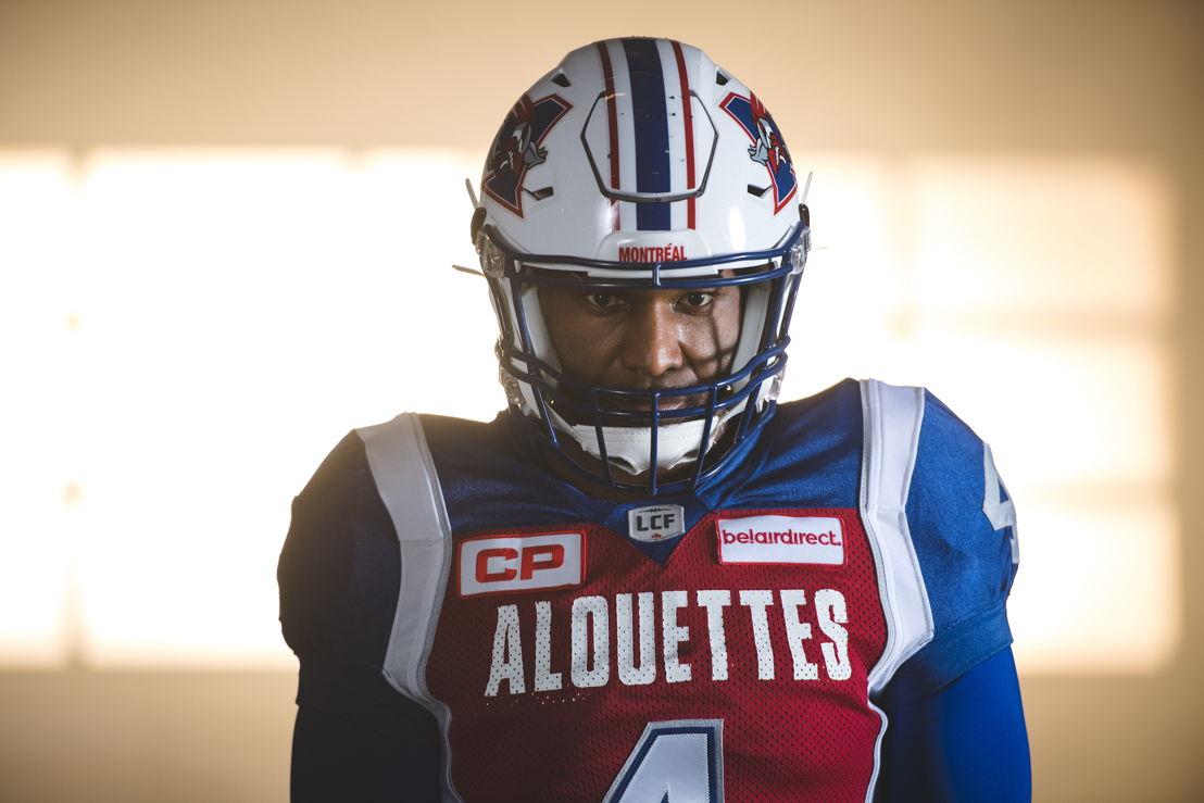 Un nouvel uniforme pour le quart-arrière Darian Durant. Crédit : Johany Jutras/LCF