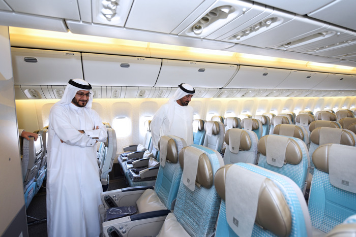 Emirates Senior Management visit newly refurbished Boeing 777-200LR