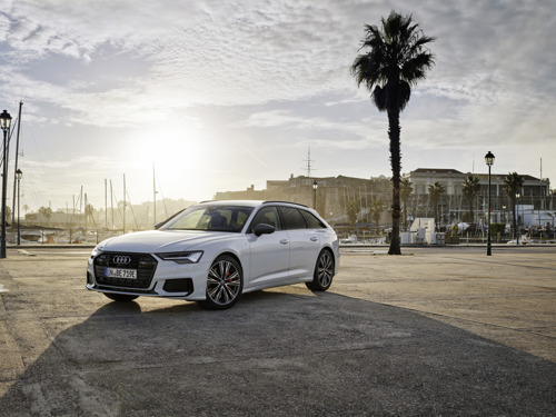 Le grand break d'Audi maintenant en version hybride rechargeable : la nouvelle A6 Avant TFSI e quattro