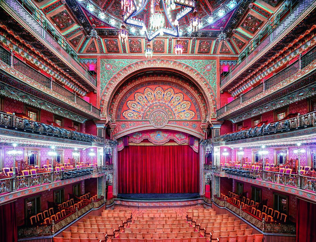 Crédito_ Candida Höfer  Teatro Juárez Guanajuato I 2015  Impresión 180 x 222.6 cm.  © Candida Höfer _ VG Bild-Kunst