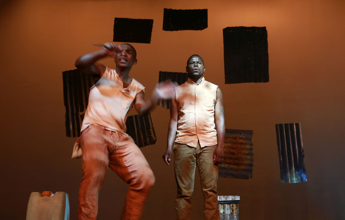 Eric Menyo and Bongani Dyalivana in Phefumla/To Breathe. Image by Nardus Engelbrecht
